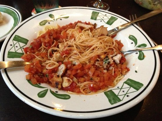 Aussenansicht picture of olive garden new york city tripadvisor for Does olive garden do reservations