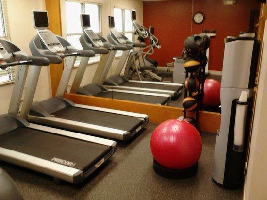 Homewood Suites by Hilton: Gym