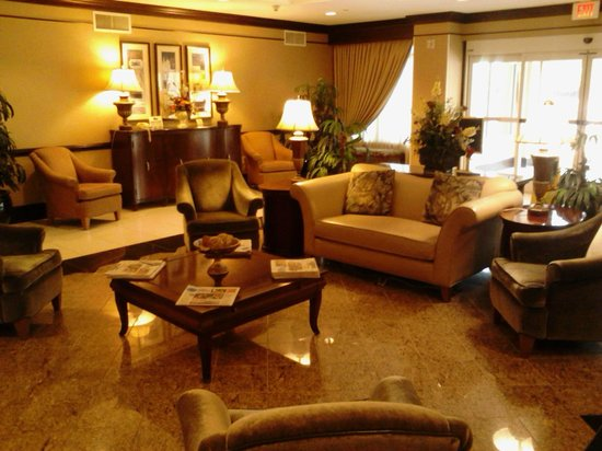 Homewood Suites by Hilton: Hotel lobby
