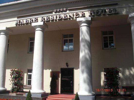 Mabre Residence Hotel: Main entrance