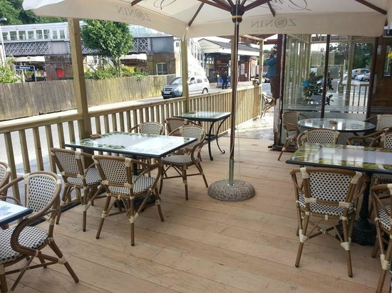 Il Palio 2: Terrace by day