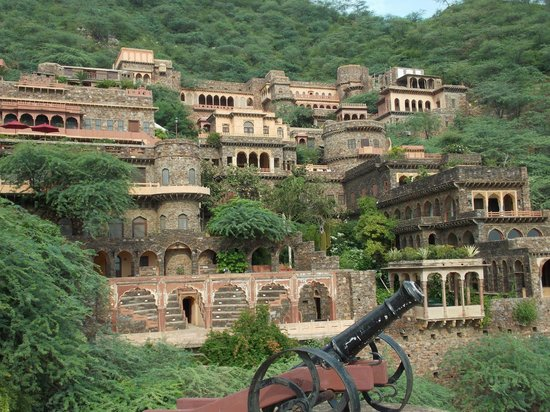 Neemrana Fort View 1 Picture Of Neemrana Fort Palace