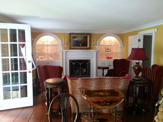 Hartwell House Inn: Another sitting area