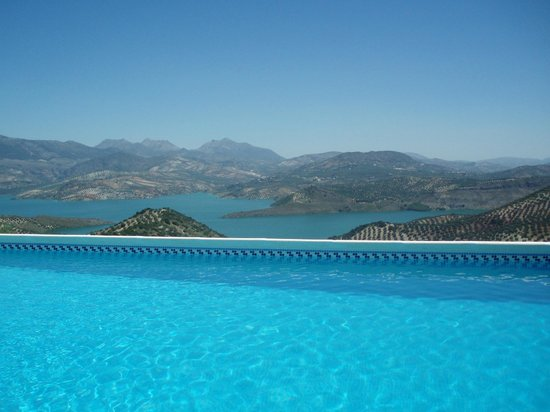Cortijo La Loma: Pool with a view