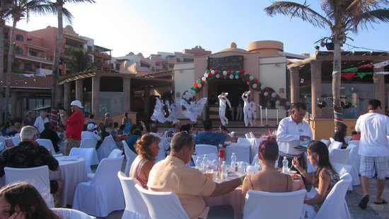 Playa Grande Resort: fiesta night