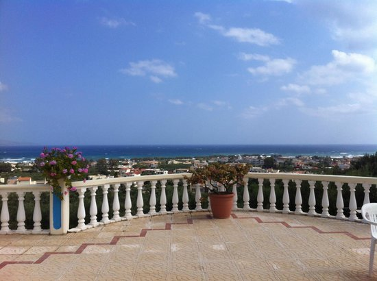 Antilia Apartments: Frühstücksterrasse
