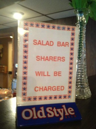 Richards Motel & Restaurant: Be Forwarned: Salad bar sharing will be prosecuted!