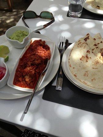 Restaurante Mordisco : Fajita de cochinita pibil con guacamole