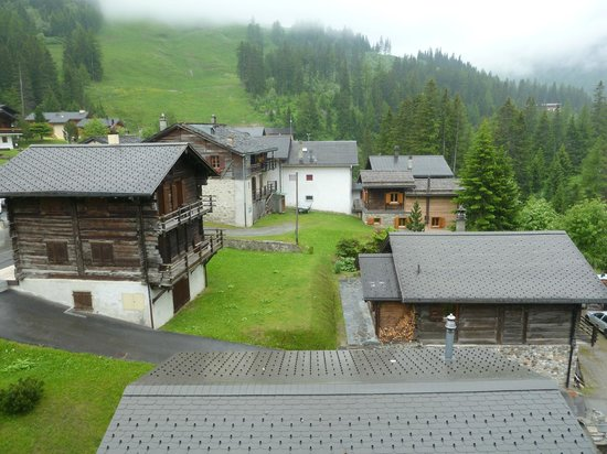 Hotel Edelweiss: view from our room at side of hotel