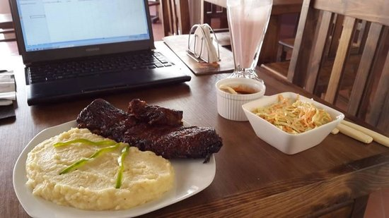 Abis Patio: Ribs entree with mashed potatoes and cole slaw