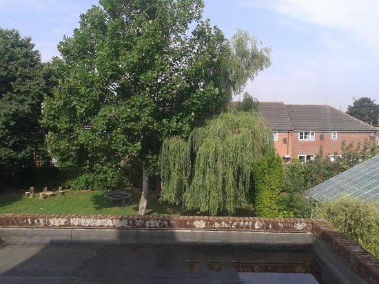 Glendower House: Overlooking Gardens to rear