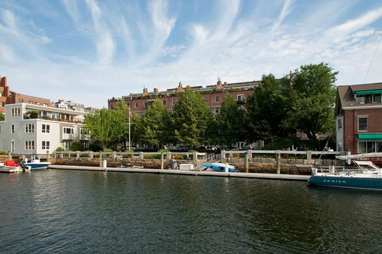 The Boston Harborwalk: Breathtaking Scenery