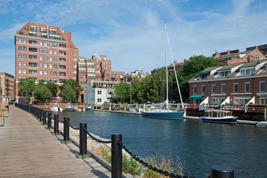 Boston Harborwalk - Boston Harbor Now