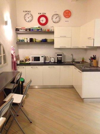 Albergo Bencidormi: Common kitchen