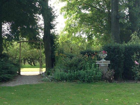 Le Manoir de Bray : Garden View