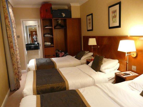 Blandford Hotel: Dreibett-Zimmer