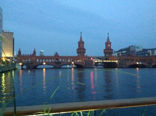 Eastern Comfort Hotelschiff: berlin by night