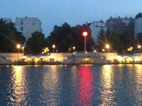 Eastern Comfort Hostelboat: zalig terrasje in berlijn