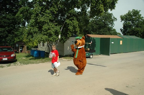 Jellystone Park of Fort Atkinson: Yogi coming to the Hay Ride