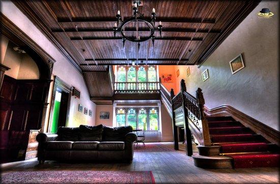 Hargate Hall: Enterance hall