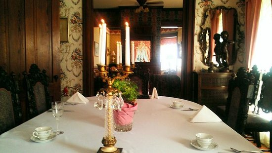 Herrold on Hill Bed and Breakfast: Dining atmosphere