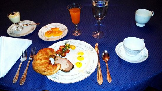 Herrold on Hill Bed and Breakfast: Saturday breakfast