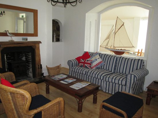 Trevenna Lodge: The living room