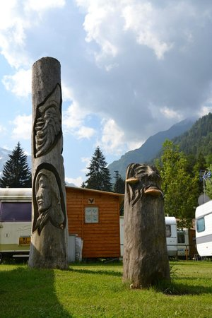 Camping & Chalet Presanella: Art and Nature