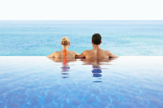 Esperanza - Auberge Resorts Collection : Bi-level heated infinity pool on the beach