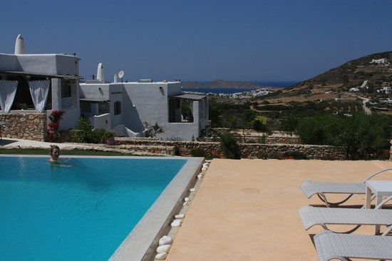 Naoussa Hills Boutique Resort: pool