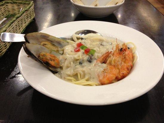 Fig and Olive: Seafood noodles