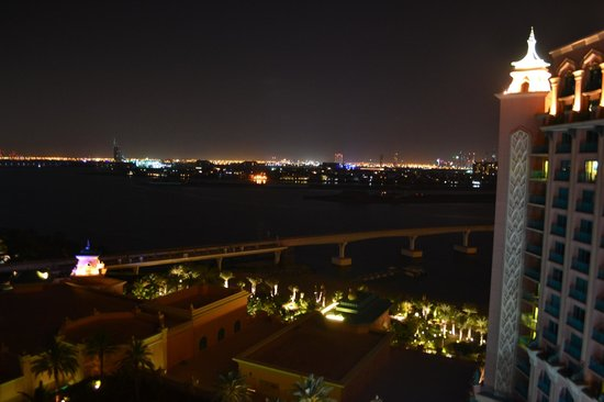 Atlantis, The Palm : Vista noturna da varanda do quarto 1120