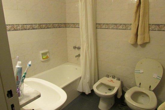 Victory Hotel: Banheiro