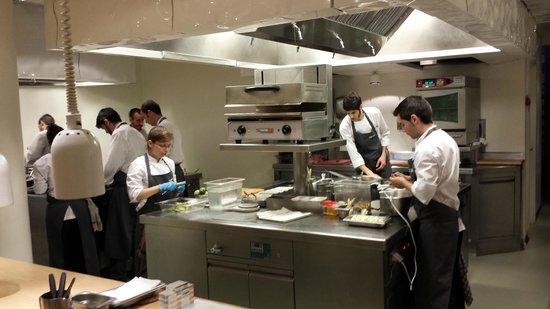Nerua Guggenheim Bilbao: Küche und Eingang