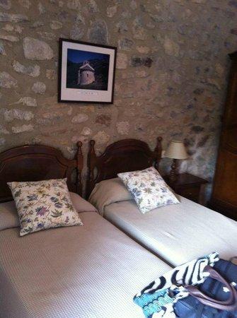 Hostal de la Rovira: Habitación doble con baño interior