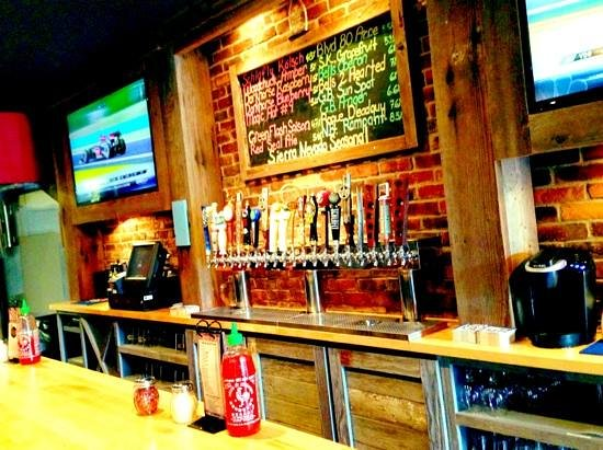 Tomato Bar Pizza Bakery: An impressive lineup of craft beers