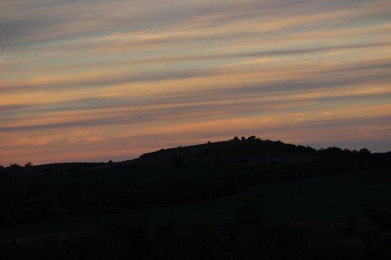 Comstock Premier Lodge LLC: Evening sunset