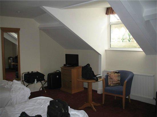 New Continental Hotel: stanza sottotetto