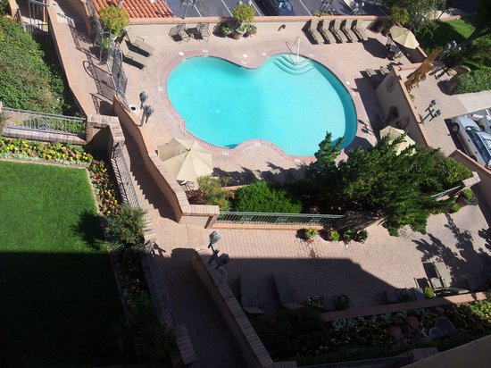 BEST WESTERN PLUS Arroyo Roble Hotel & Creekside Villas: View from Red Rock King Room