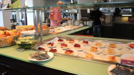 Leuchtfeuer Cafe: Es gibt auch ein Kuchen-Buffet - mit fantastischen Leckereien!!!