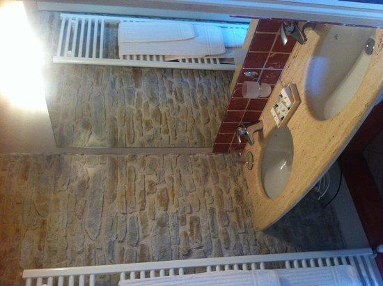 Hotel Relais Montemarino: Salle de bain