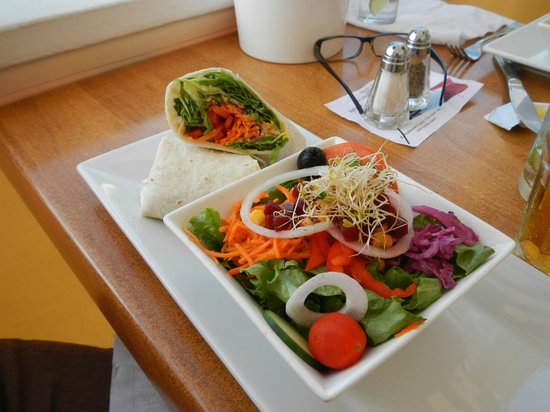 Sunset Cafe: Shrimp wrap