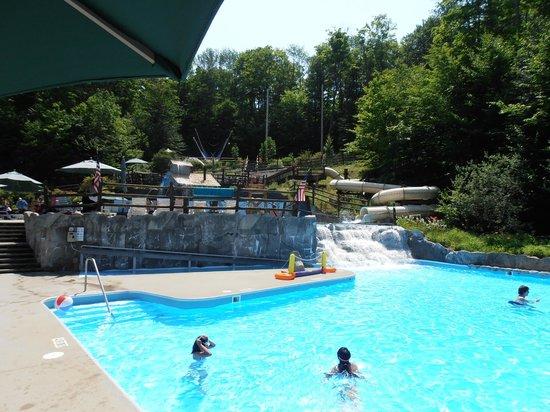 Smugglers' Notch Resort : Notchville Park pool area