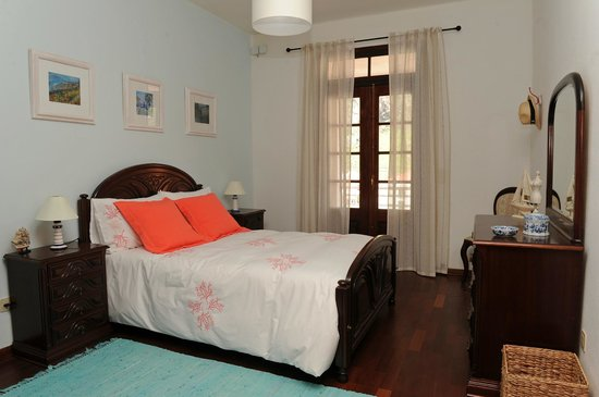 Madeira North Coast Guesthouse: BLUE ROOM - bedroom with double bed, classic decor, spacious, comfortable and balcony