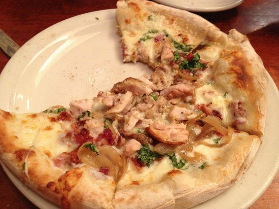 Willow Street Wood-Fired Pizza: Garlic Chicken pizza - the Bomb!!