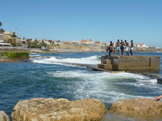 Hotel Sao Mamede : Бассейн, защищённый от океанских волн