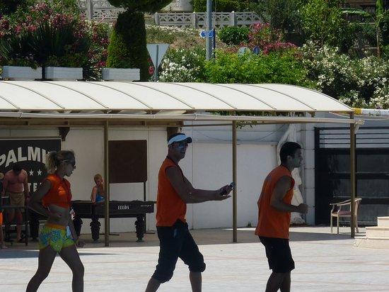 Palmin Hotel: pooldance