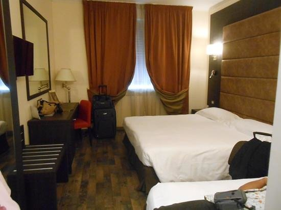 FH Grand Hotel Palatino: triple room (king and twin)