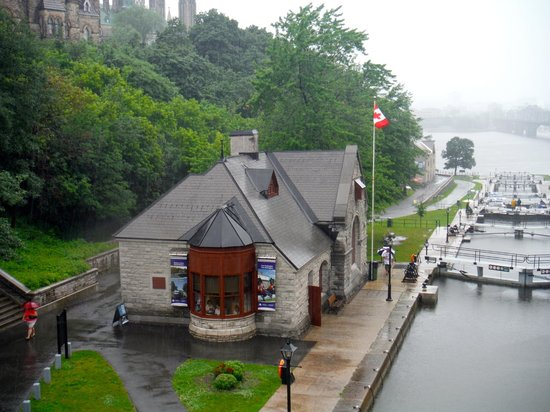 Rideau Canal: A descida para o Canal