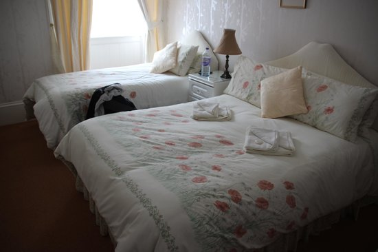 Glengarry Guest House: bedroom